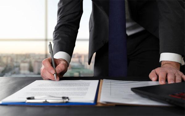 Contratar um advogado facilita o processo para receber o teto do INSS?